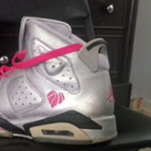 6.5 pink,silver,black jordans girls